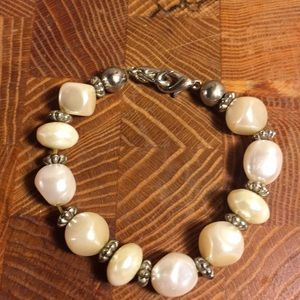 Pearl and silver beads, small bracelet